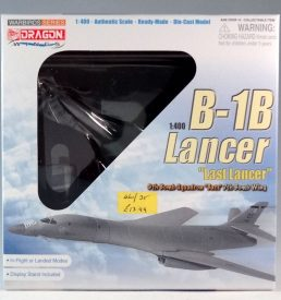 Rockwell B-1B bomber aircraft 1:400