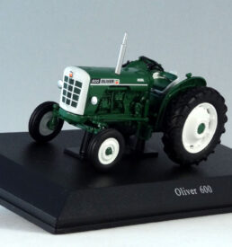 Universal Hobbies UH6102 Oliver 600 Tractor