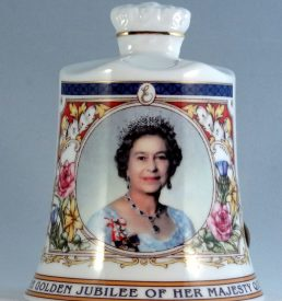 Aynsley bone china bell Queen Elizabeth II 2002